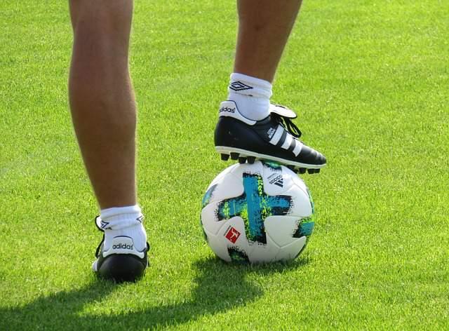sport-leisure-football-ball-rush